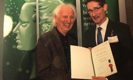 Javier Barnés recibe el Premio Internacional de Investigación de la Fundación Humboldt