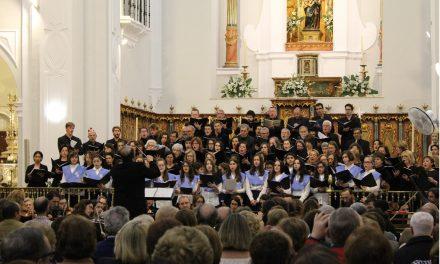 El Coro de la Onubense resuena en la Catedral de Huelva con la ´Pasión según San Mateo´