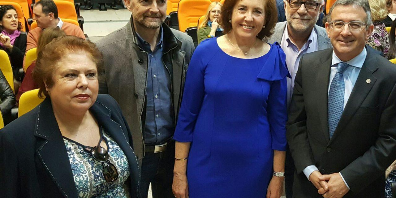 Homenaje a la Profesora Marisa Fernández Serrat