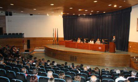 La Universidad de Huelva clausura un curso histórico para el Aula de la Experiencia