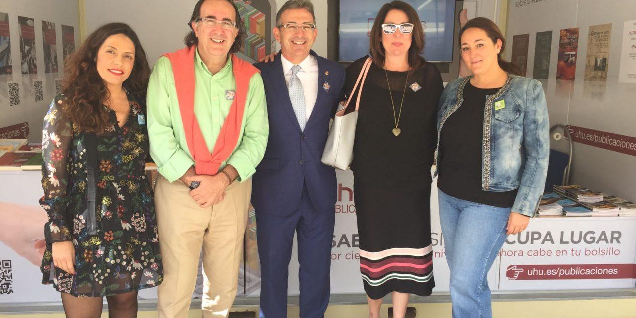 La UHU da a conocer en la Feria del Libro su desarrollo e innovación en la edición digital