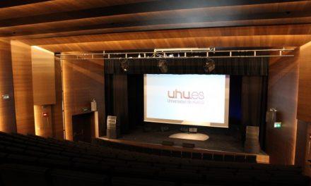 El nuevo Auditorio de la Universidad, preparado para su estreno de esta noche