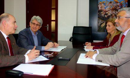 Los profesores María Luis Candau Chacón y Felipe Jiménez Blas, Premios AIQBE de investigación 2016