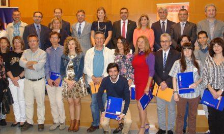 La UHU y la Cátedra AIQBE entregan sus premios a la excelencia en investigación