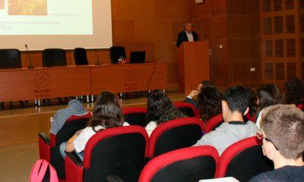 La UHU imparte un ciclo de conferencias sobre la integración de metodologías ómicas