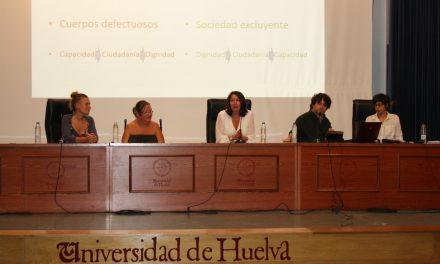 Bandera por la inclusión en la jornada 'Sexualidad para la diversidad'