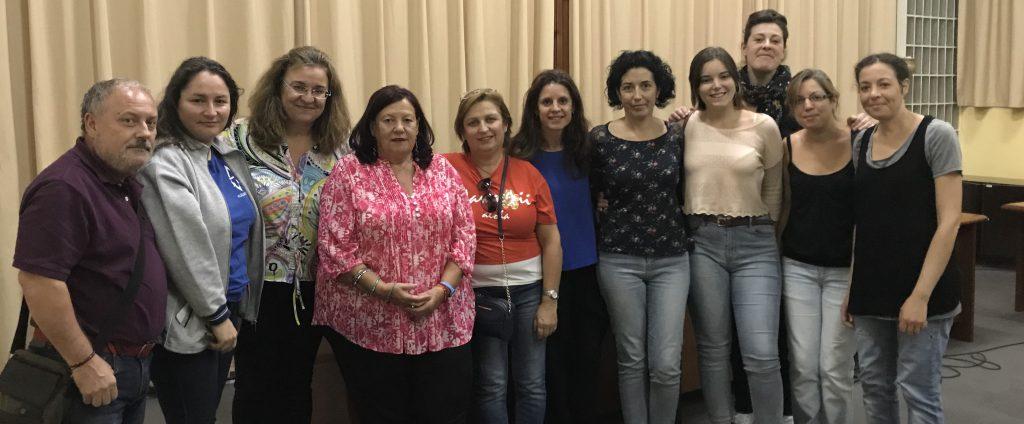 Marga Íñiguez con algunos de los asistentes al curso de Creatividad